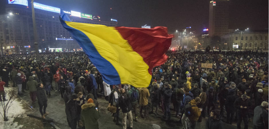Romania protests news, Europe news, Latest European news, Romanians protests against corruption, Sorin Grindeanu news, Eastern Europe corruption news, Today's news headlines, International political news, Romania news, fighting corruption