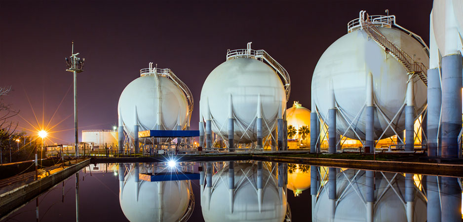 Natural Gas: The Heart of Saudi-Iranian Rivalry and Qatar Crisis
