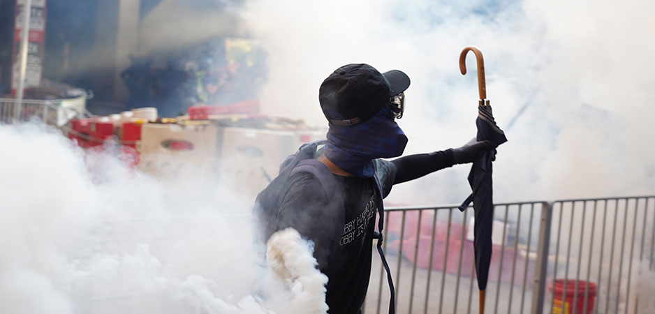 Warren Kanders news, Warren Kanders Whitney Museum, Warren Kanders Safariland, Warren Kanders tear gas, Warren Kanders tear gas scandal, methods of oppression, Extinction Rebellion news, Hong Kong protests, immigrants tear gassed, ethical business