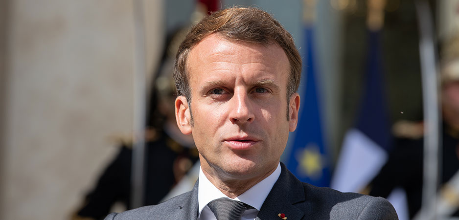 Peter Isackson, Daily Devil's Dictionary, Emmanuel Macron news, Emmanuel Macron New York Times, Emmanuel Macron gilets jeunes, Emmanuel Macron Islam crisis, Emmanuel Macron 2022 election, Emmanuel Macron French Muslims, France global security law